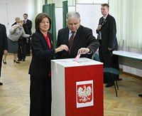 200px-lech_i_maria_kaczynscy